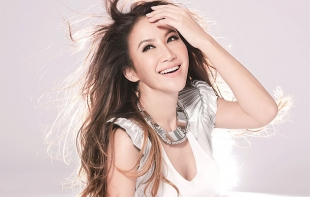 CoCo Lee Nude Photos 40